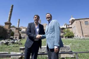 Renzi and Marino walk in Via dei Fori Imperiali