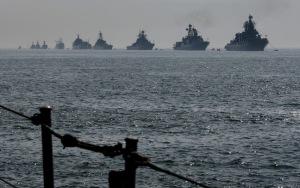Convoglio russo entra nel Mediterraneo da Suez