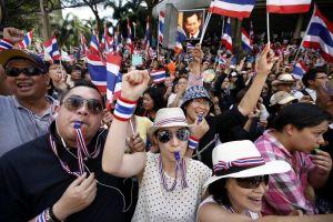 l43-thailandia-protesta-esercito-131129115616_big
