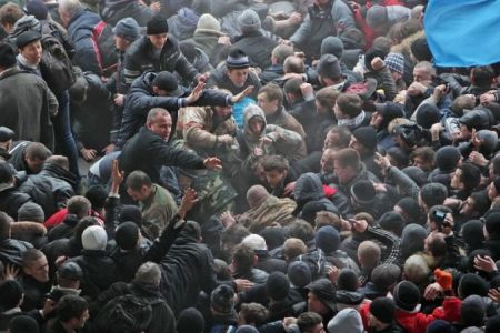 672x448xl43-ucraina-crimea-parlamento-140227134434_big.jpg.pagespeed.ic.UiZozMRPdb