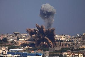 gaza-airstrike-smoke-fist