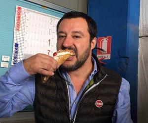salvini-cannoli3