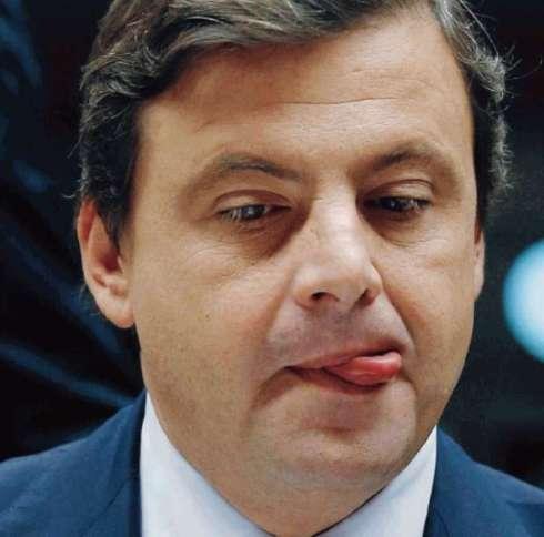 la-linguetta-di-carlo-calenda-950181