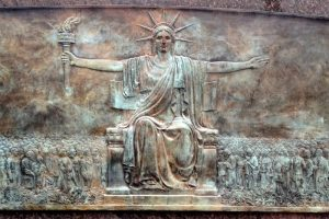 Statue-of-Liberty-SEATED-Larado-Taft-IMG_1234-700x467