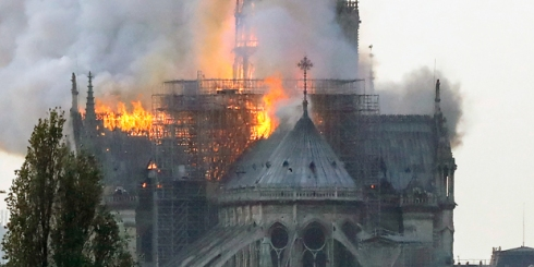 web3-cathedral-of-notre-dame-paris-france-fire-000_1fo1mh