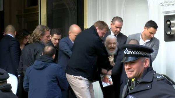 Seg-assange-arrest